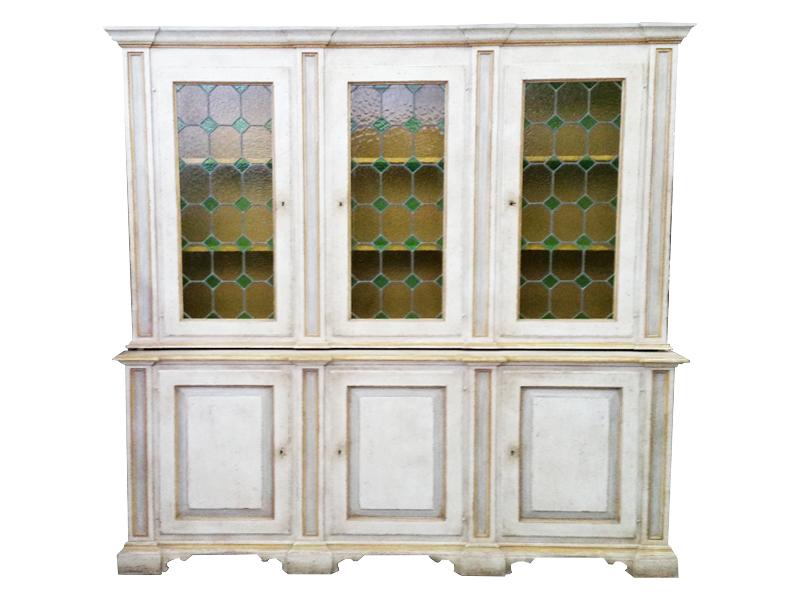 Credenza Con Alzata Antica : Credenza con alzata laccata antico vetri originali a tre ante